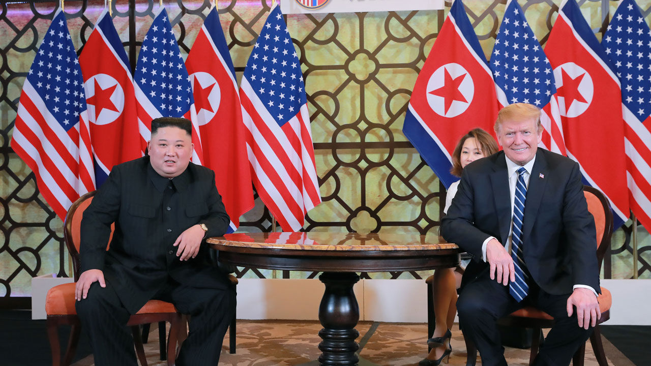 This photo published by North Korea`s Korean Central News Agency shows North Korean leader Kim Jong-un (L) and U.S. President Donald Trump in Hanoi, Vietnam, on Feb. 28, 2019. (Yonhap) (For Use Only in the Republic of Korea. No Redistribution.)