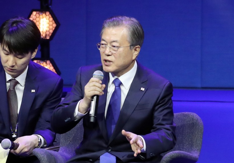 South Korean President Moon Jae-in (right) speaks during a Q&A session after his key note speech at the Oslo Forum in Norway on Wednesday. (Yonhap)