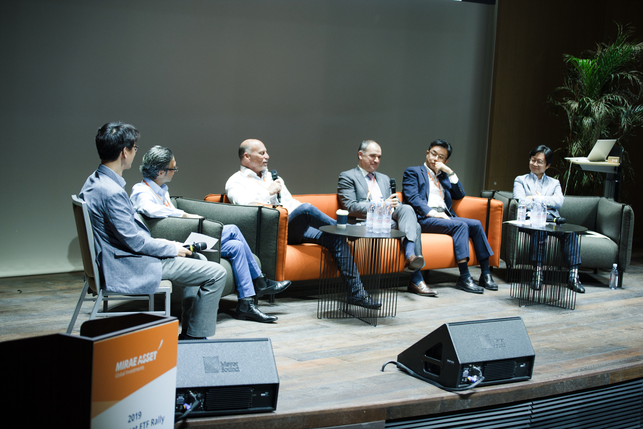 (From left) Mirae Asset Global ETF Division head Yun Joo-young, BetaShares CEO Alex Vynokur, Horizons ETFs CEO Steve Hawkins, Global X CEO Luis Berruga, Mirae Asset head of Asia and Hong Kong ETF Cho Wan-youn and Mirae Asset ETF Solutions Director Choi Seung-hyun. (Mirae Asset Global)