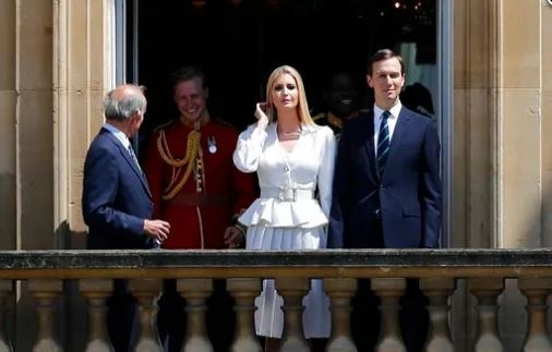 Jared Kushner, right, and Ivanka Trump, second right, watch from a window before a ceremonial welcome in the garden of Buckingham Palace in London for President Donald Trump and first lady Melania Trump, Monday, June 3, 2019 (AP-Yonhap)