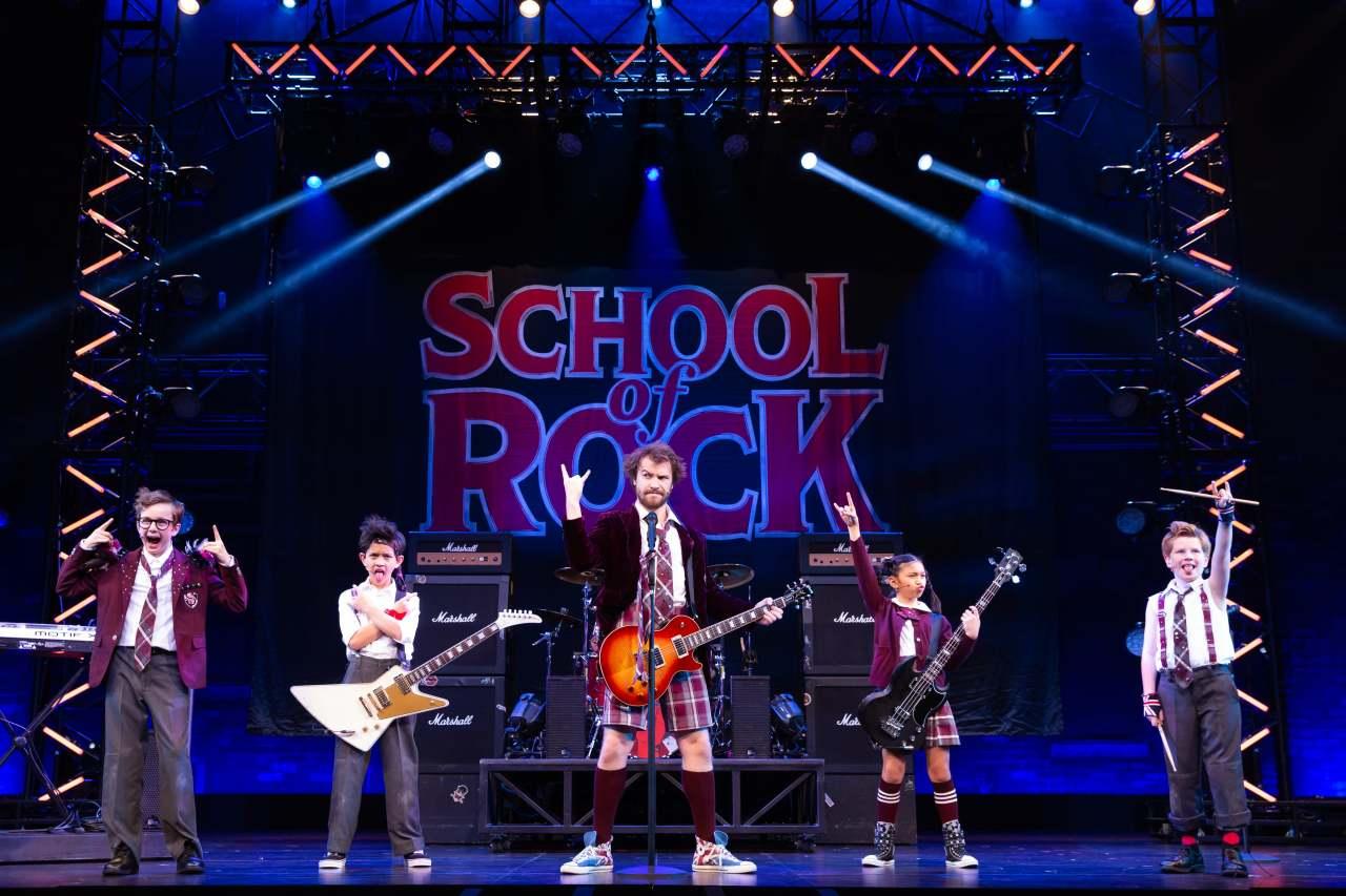 """""""School of Rock"""" (Clip Service)"""