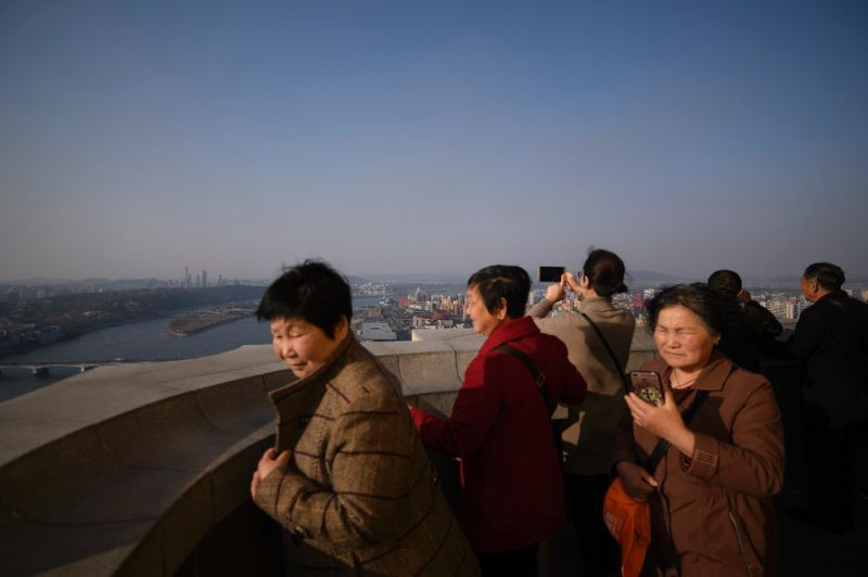 At the industry`s peak, 2,000 tourists a day were arriving in North Korea (AFP-Yonhap)