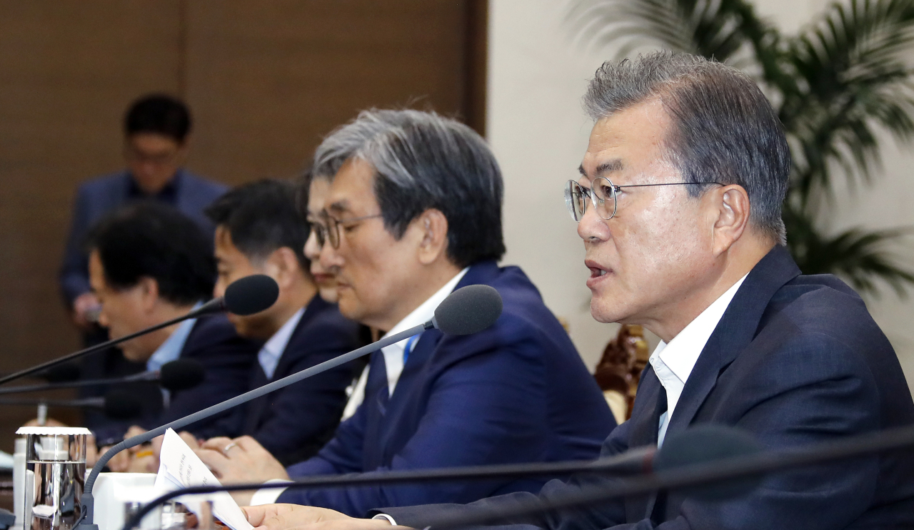 President Moon Jae-in speaks at the meeting with senior aides on Monday. Yonhap
