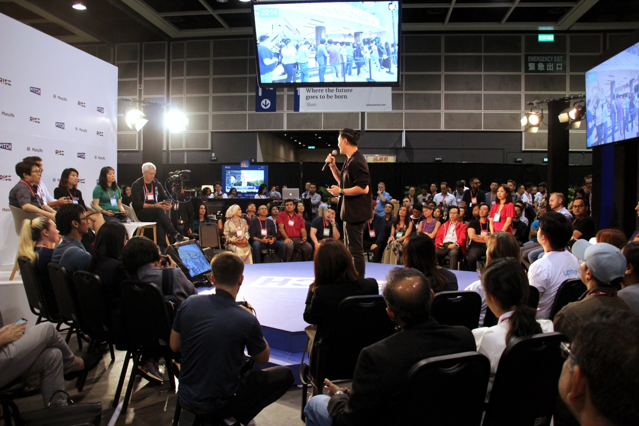 Startups pitch business ideas in front of investors at RISE 2019. (Lim Jeong-yeo/The Korea Herald)