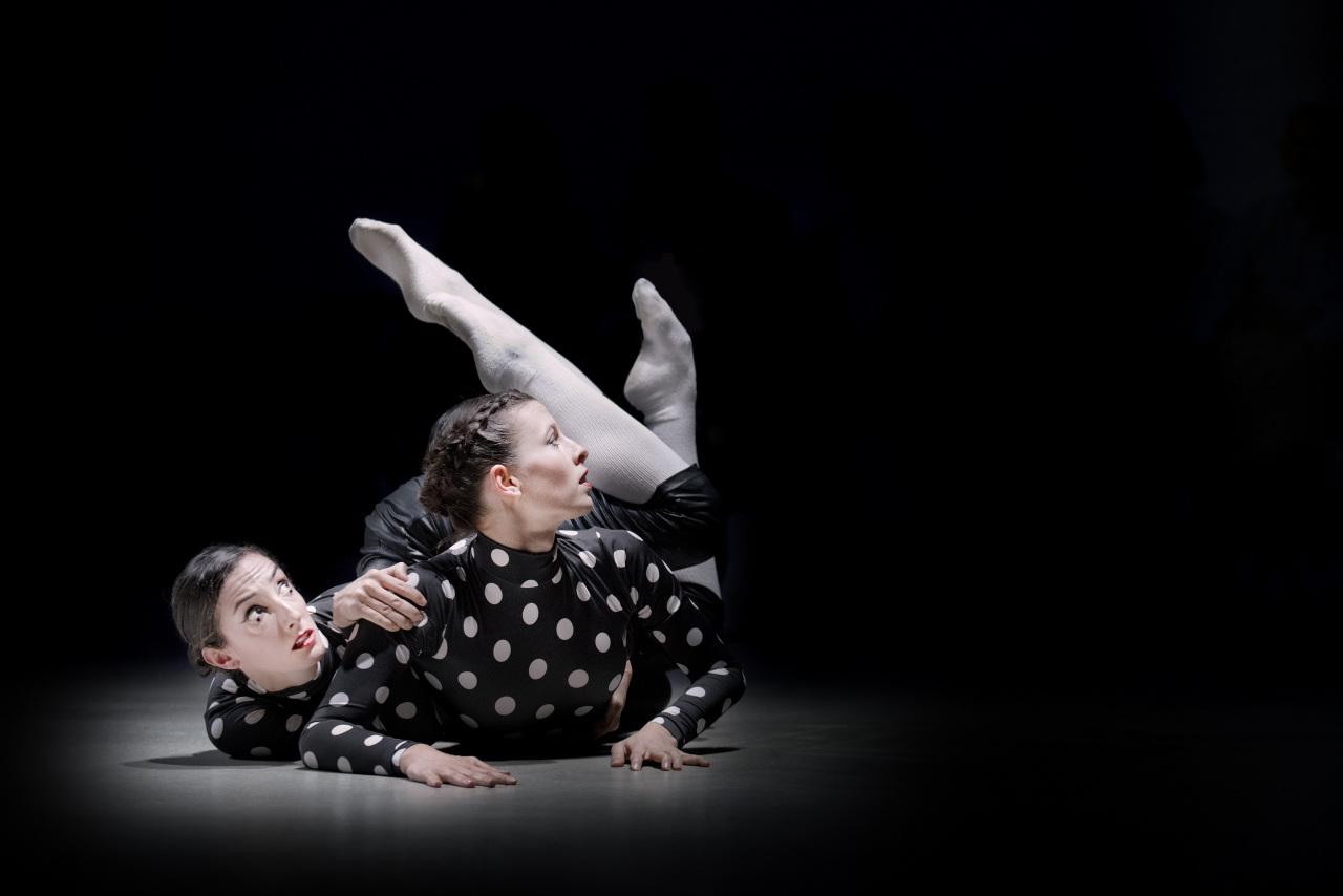 """A scene from Marcos Morau's """"Kova"""" (Oriol Miralles)"""