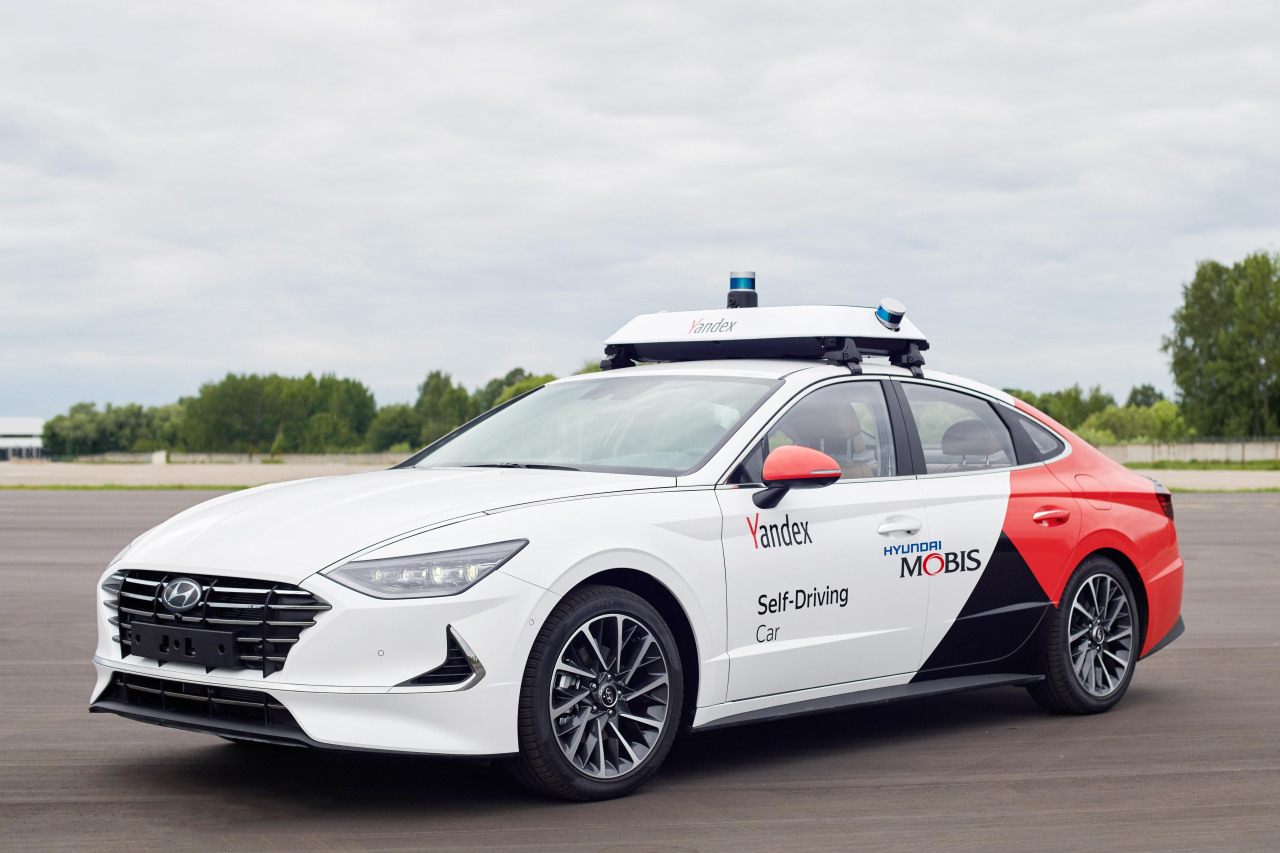 An autonomous robotaxi, which was co-developed by South Korean auto parts maker Hyundai Mobis and Russian IT company Yandex is displayed in Moscow on Thursday. (Hyundai Mobis)