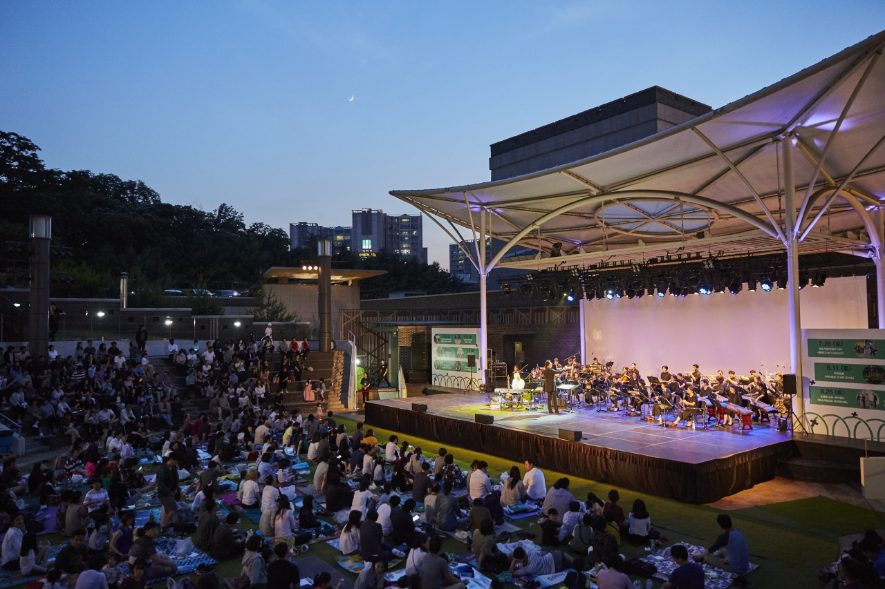 Every Saturday evening this summer, the National Gugak Center's open-air concert hall will host live performances of Korean traditional music, dance and more. Admission is free of charge. (National Gugak Center)
