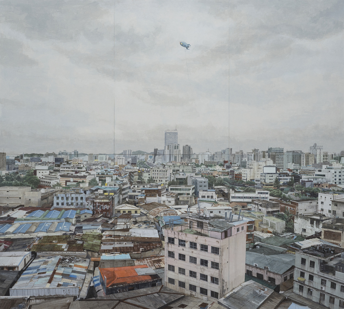 "Jung Jae-ho's painting ""District 4"" shows an area near Sewoon Sangga in Seoul. (Arko Art Center)"