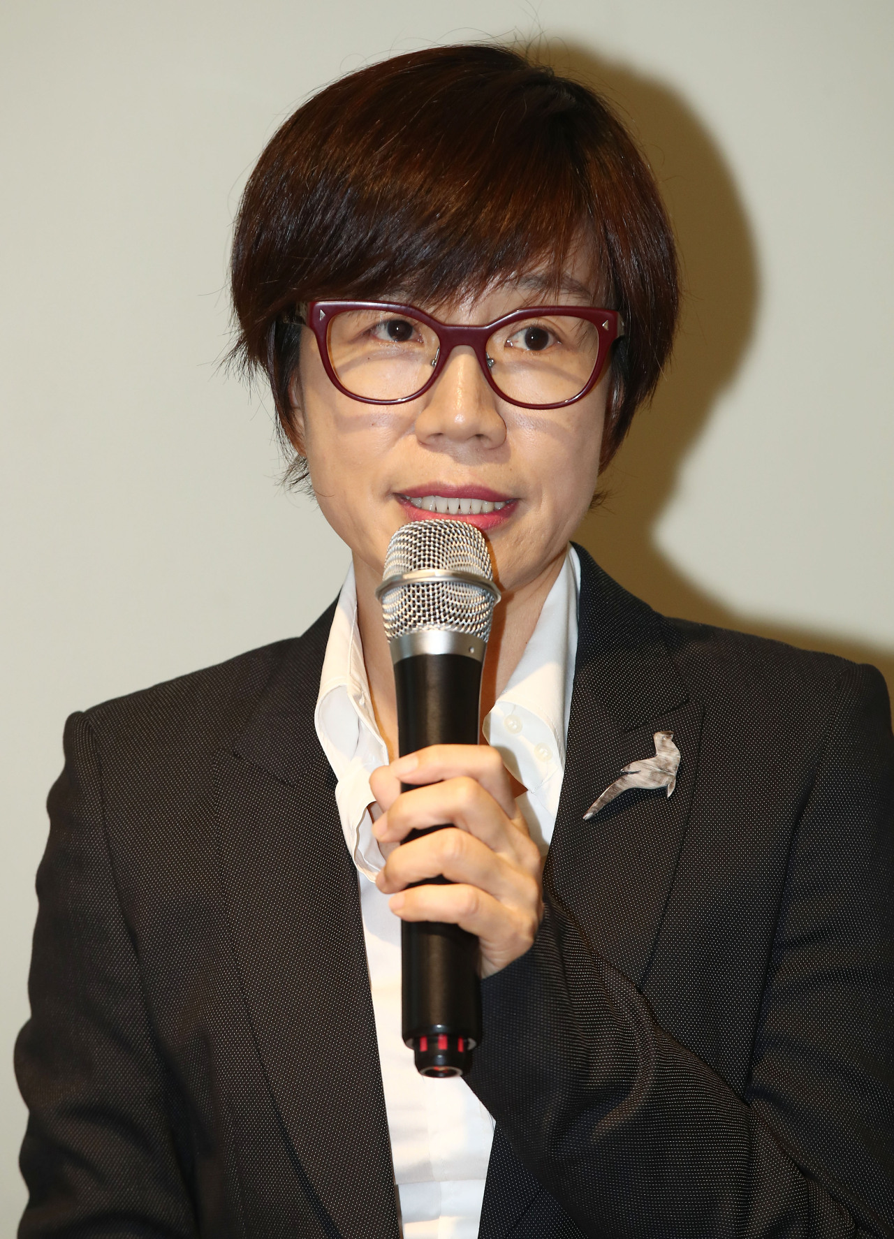 Seoul Museum of Art Director Beck Jee-sook speaks during a press conference Monday. (Yonhap)