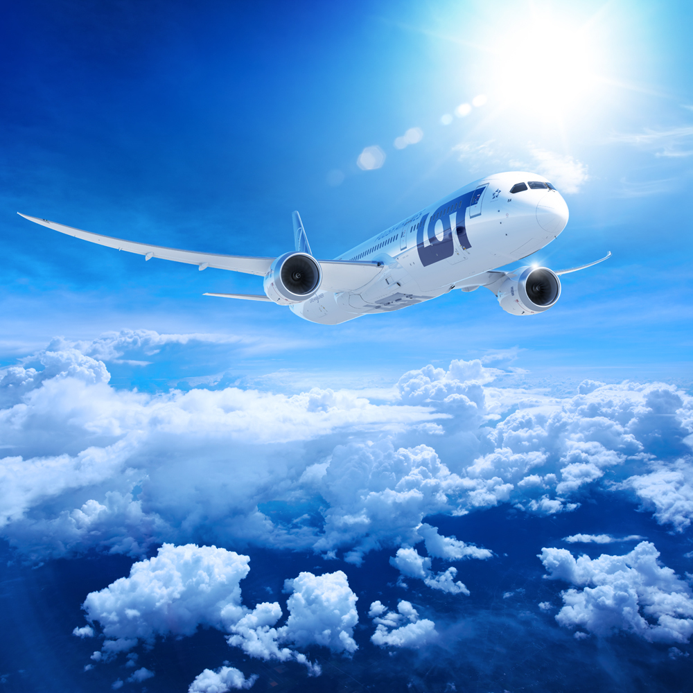 (LOT Polish Airlines)