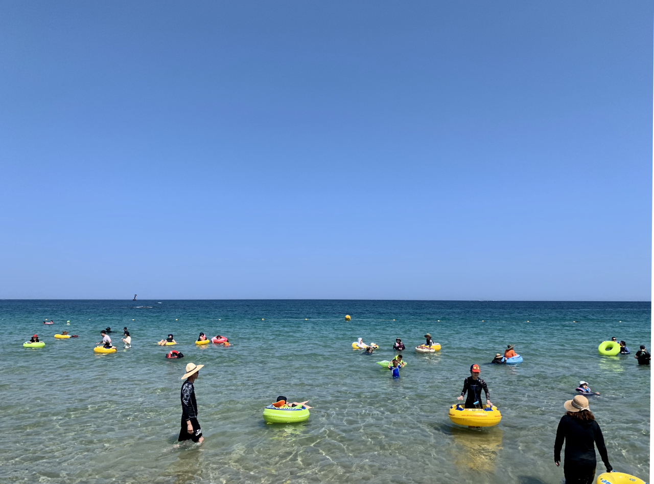 Ayajin Beach near Sokcho (Im Eun-byel/The Korea Herald)