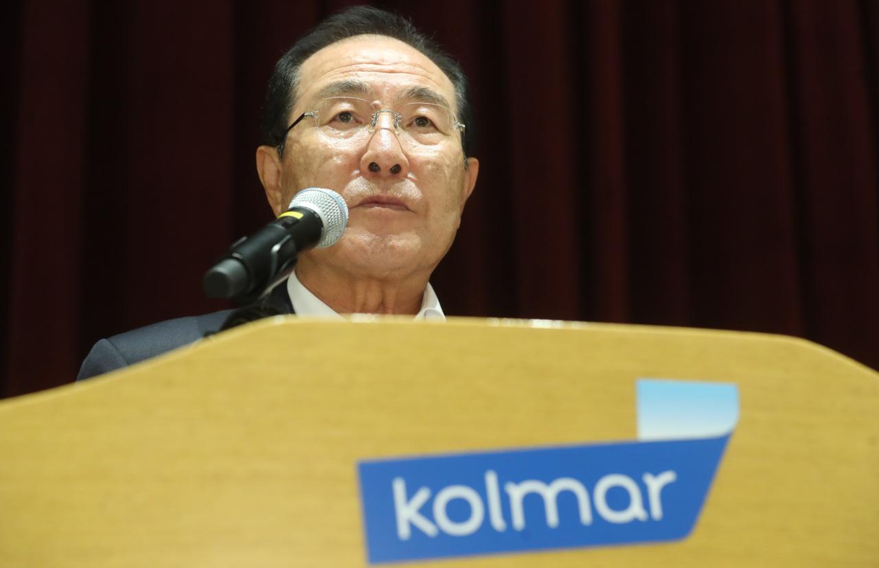 Kolmar Korea President Yoon Dong-han speaks during a press briefing in Seoul on Sunday. (Yonhap)