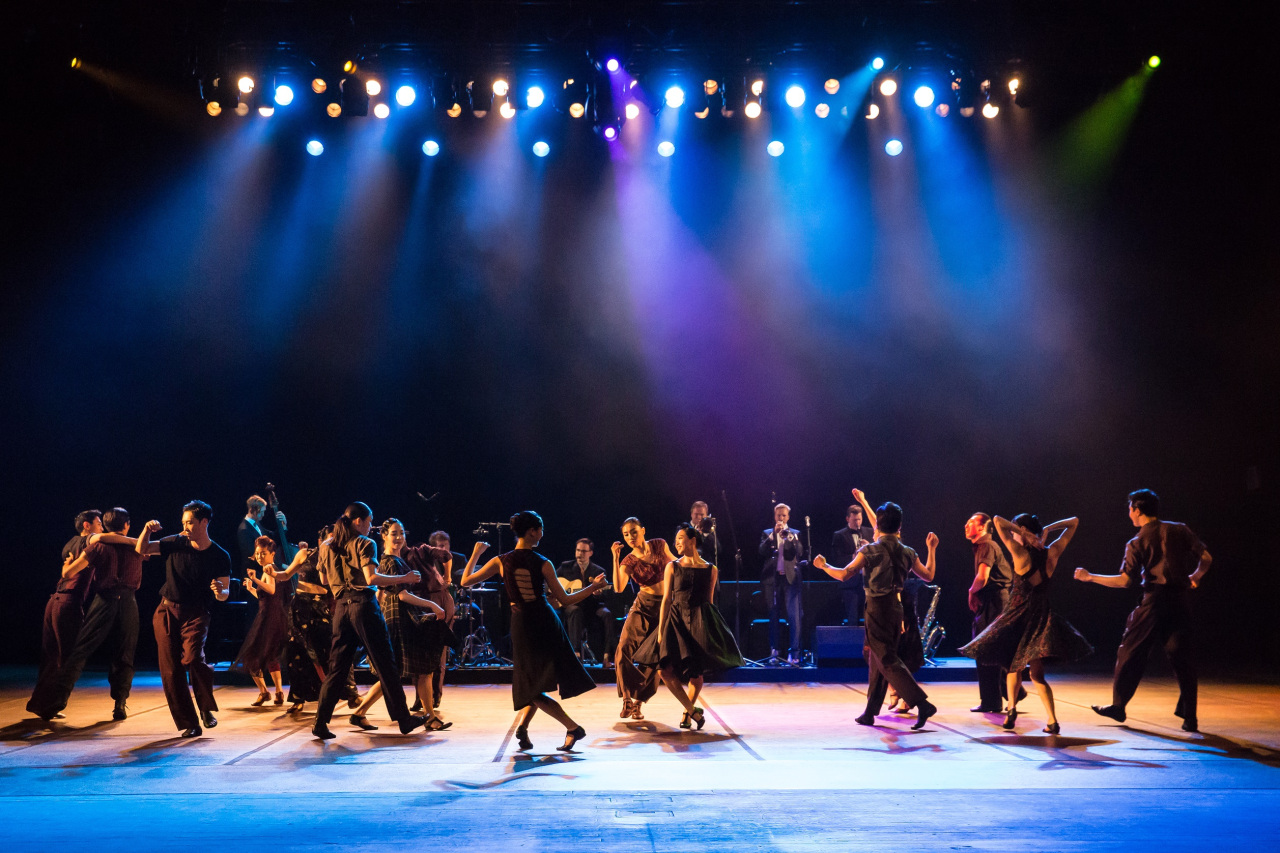 "A scene from the Korea National Contemporary Dance Company's ""Swing"" (KNCDC)"