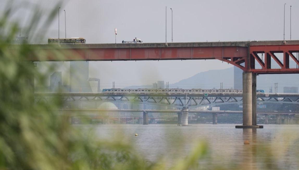 Magok Railway Bridge (Yonhap)