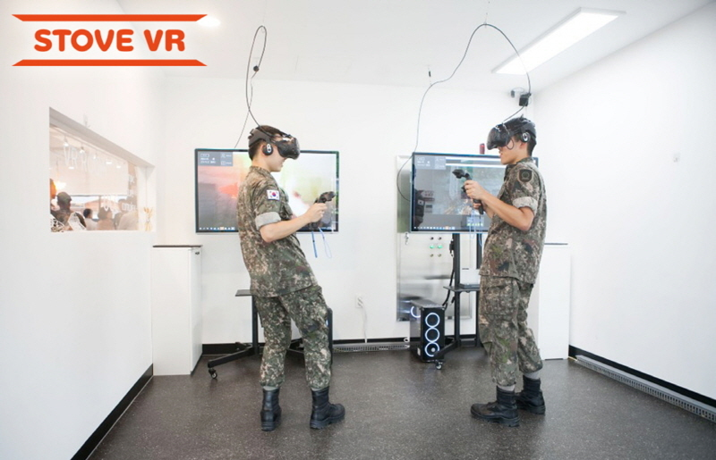 Soldiers at Camp 72 in Yangju, Gyeonggi Province, test VR games. (Smilegate Stove)