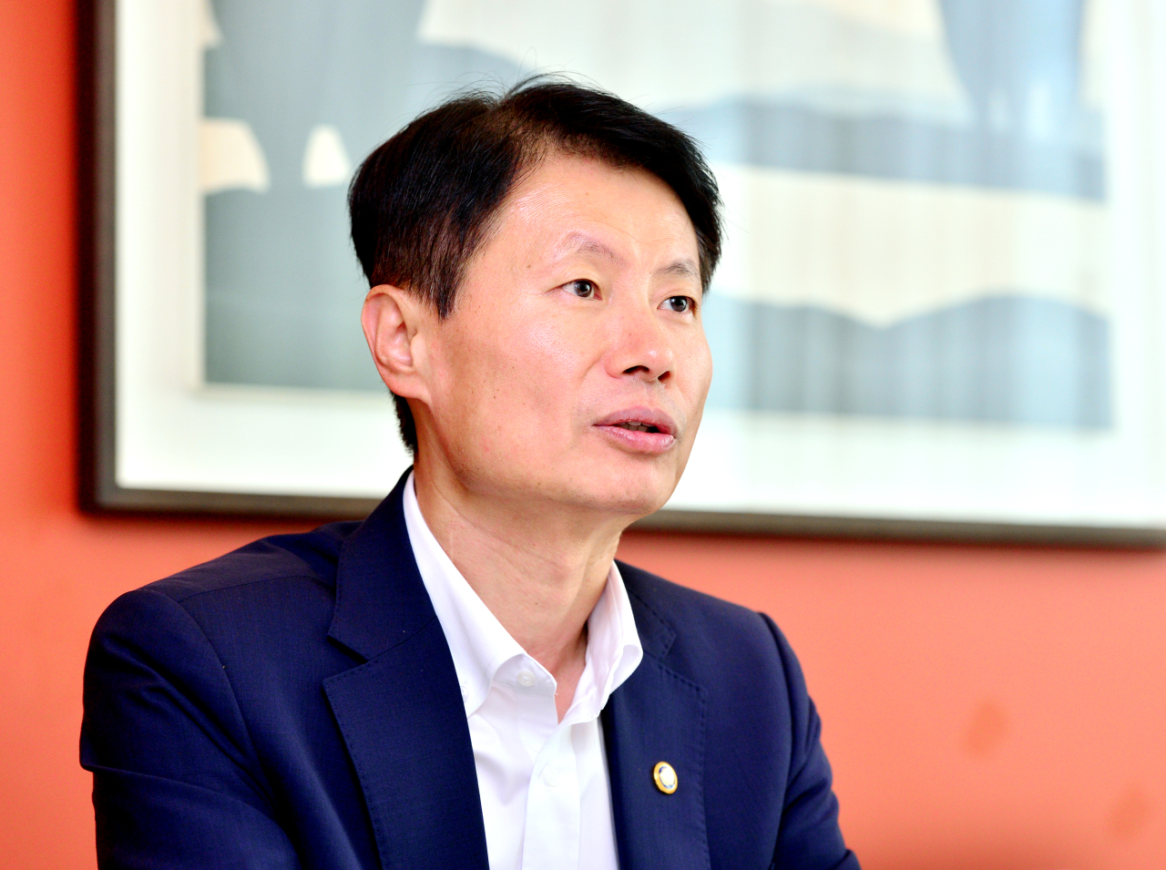 Vice Minister of Health and Welfare Kim Gang-lip speaks during an interview with The Korea Herald in Seoul, Monday. (Park Hyun-koo/The Korea Herald)