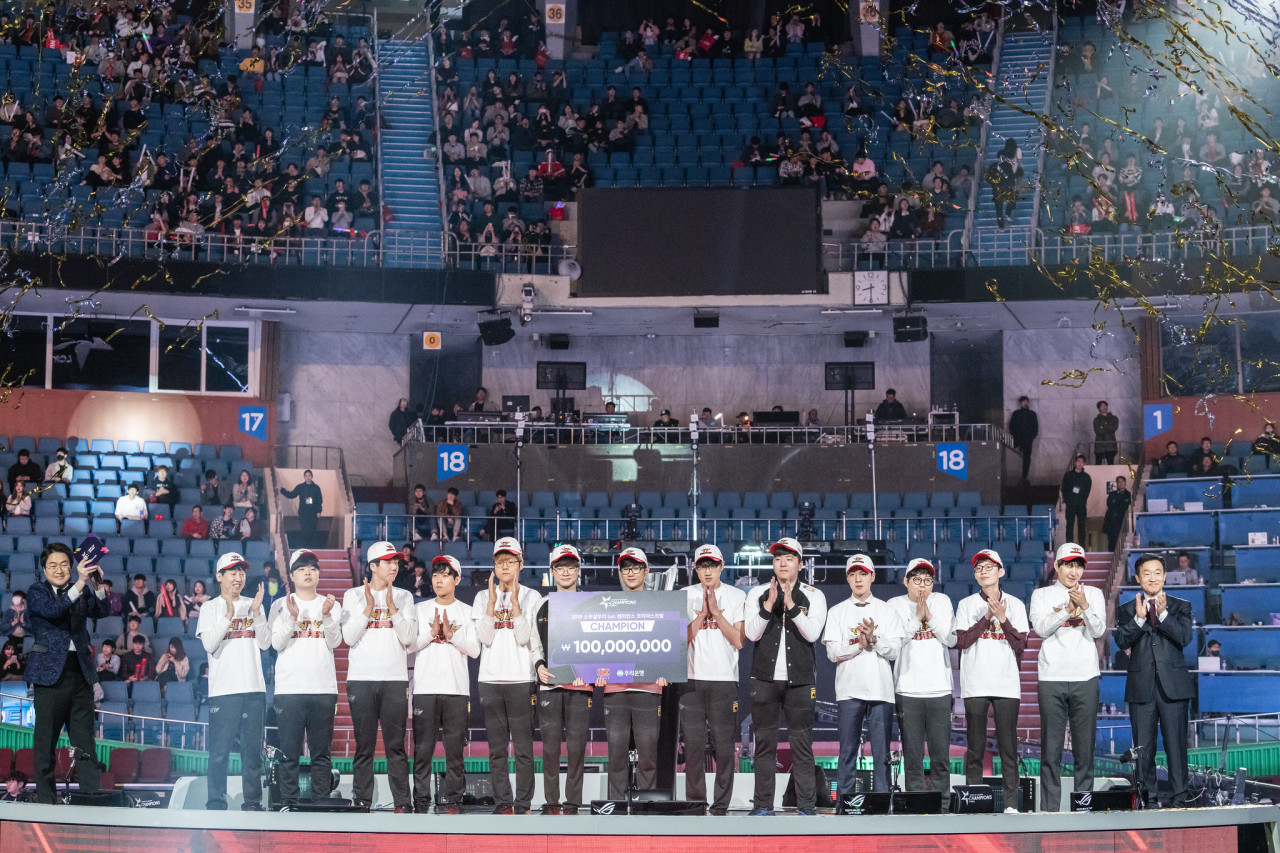 SKT T1 takes home 100 million won ($82,700) in prize money for winning LCK Spring 2019. (Riot Games)