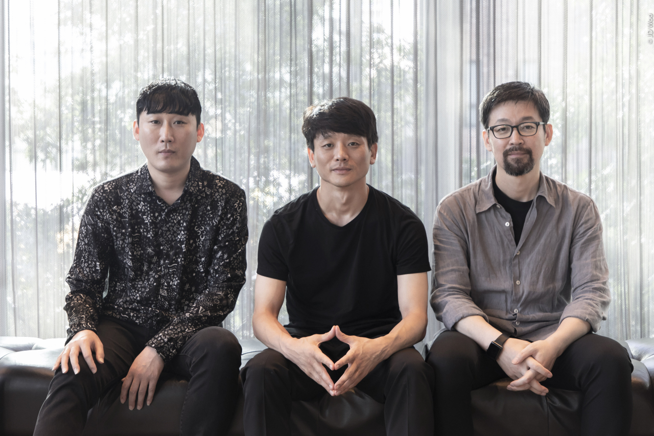 (From left) Choreographers Kim Dong-kyu, Kim Seol-jin and Jung Young-doo pose for pictures after an interview at LG Arts Center, Friday (LG Arts Center)