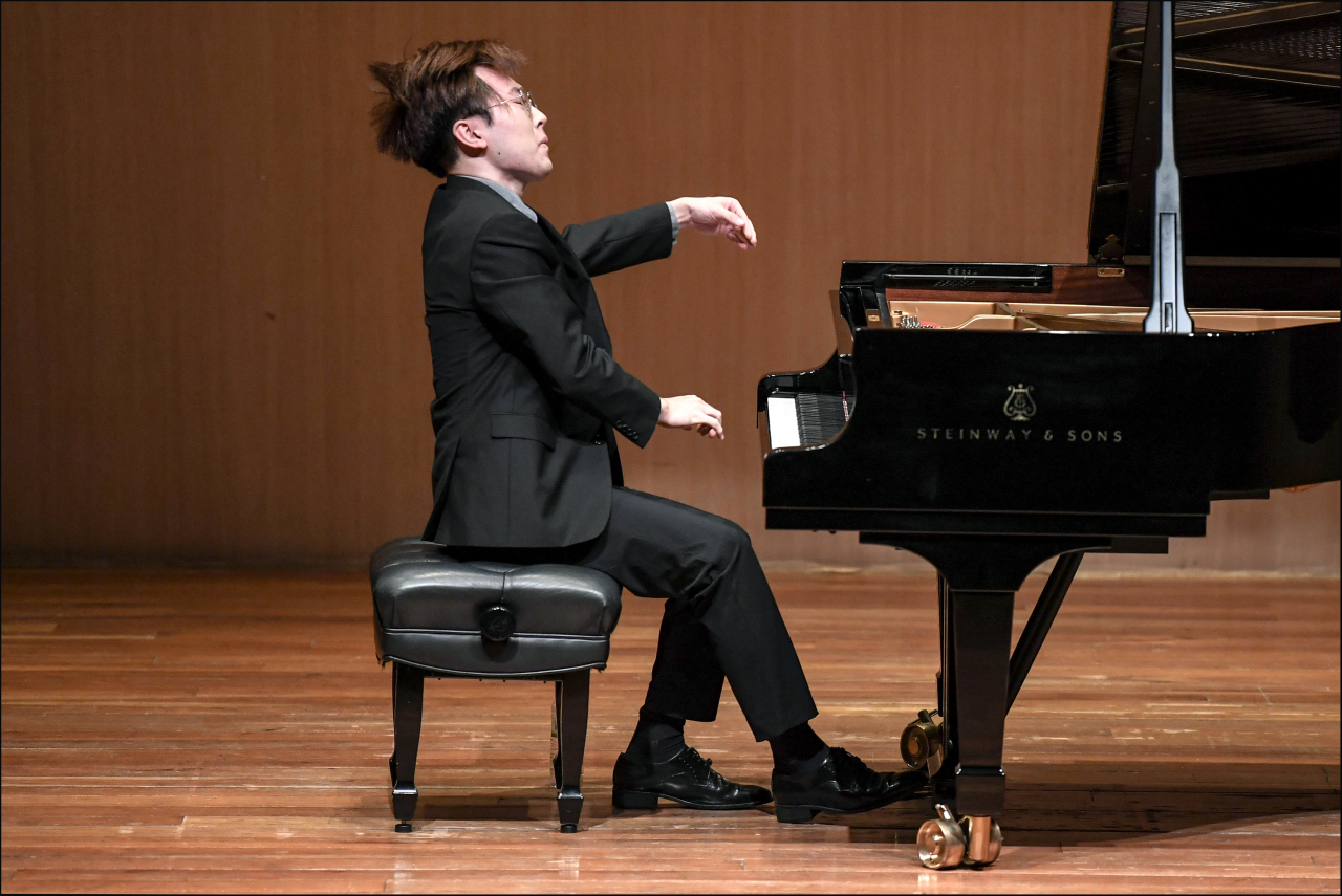 Pianist Kim Jun-ho performs F.Liszt Transcendental Etude No.10 in F minor (Sejong Center)