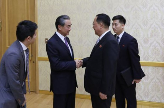 tate Councilor and Minister of Foreign Affairs Wang Yi at Mansudae Assembly Hall in Pyongyang, Monday. (Yonhap)