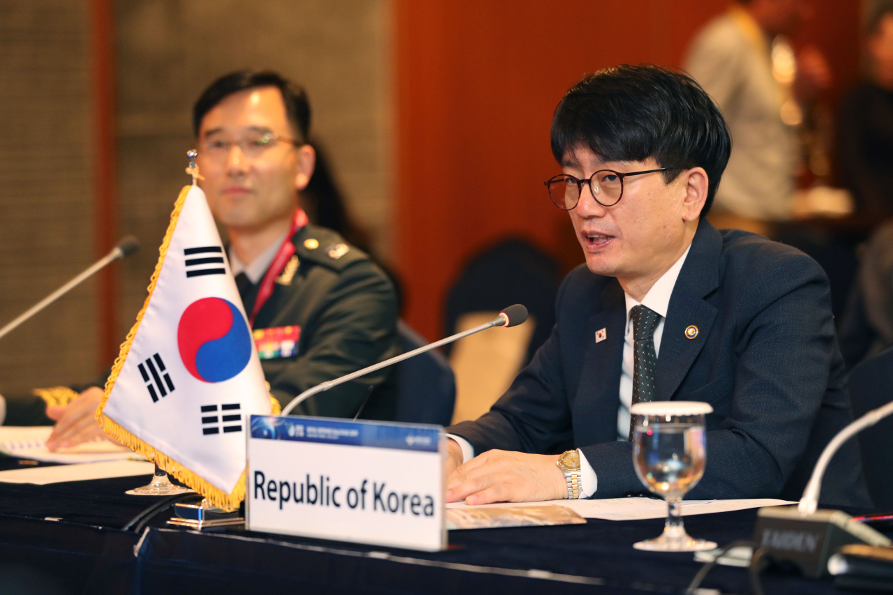 Vice Defense Minister Park Jae-min (right) speaks during Seoul Defense Dialogue on Sept. 4, 2019.(Yonhap)