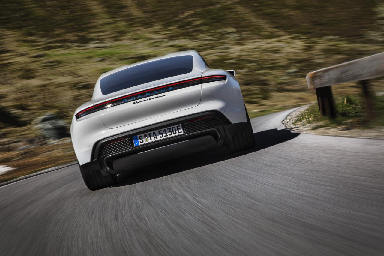 Taycan Turbo S (Porsche)