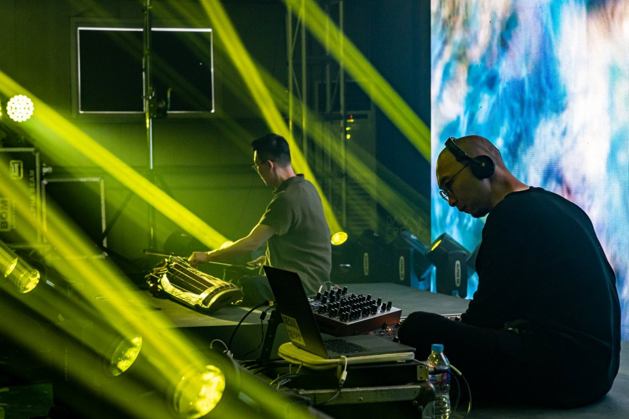 Muto performs on Aug. 23 at Davinci Creative 2019, held at Seoul Art Space Geumcheon. (Muto)