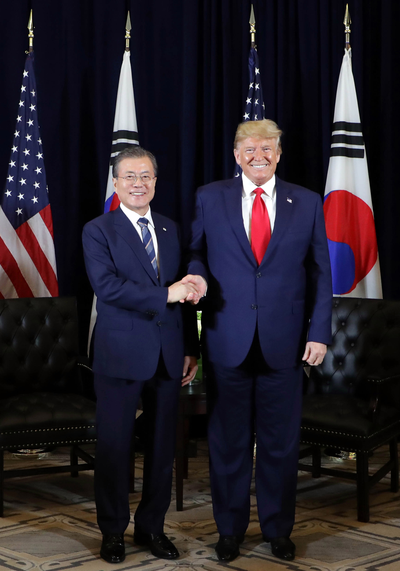 President Moon Jae-in (left) and US President Donald Trump. (Yonhap)
