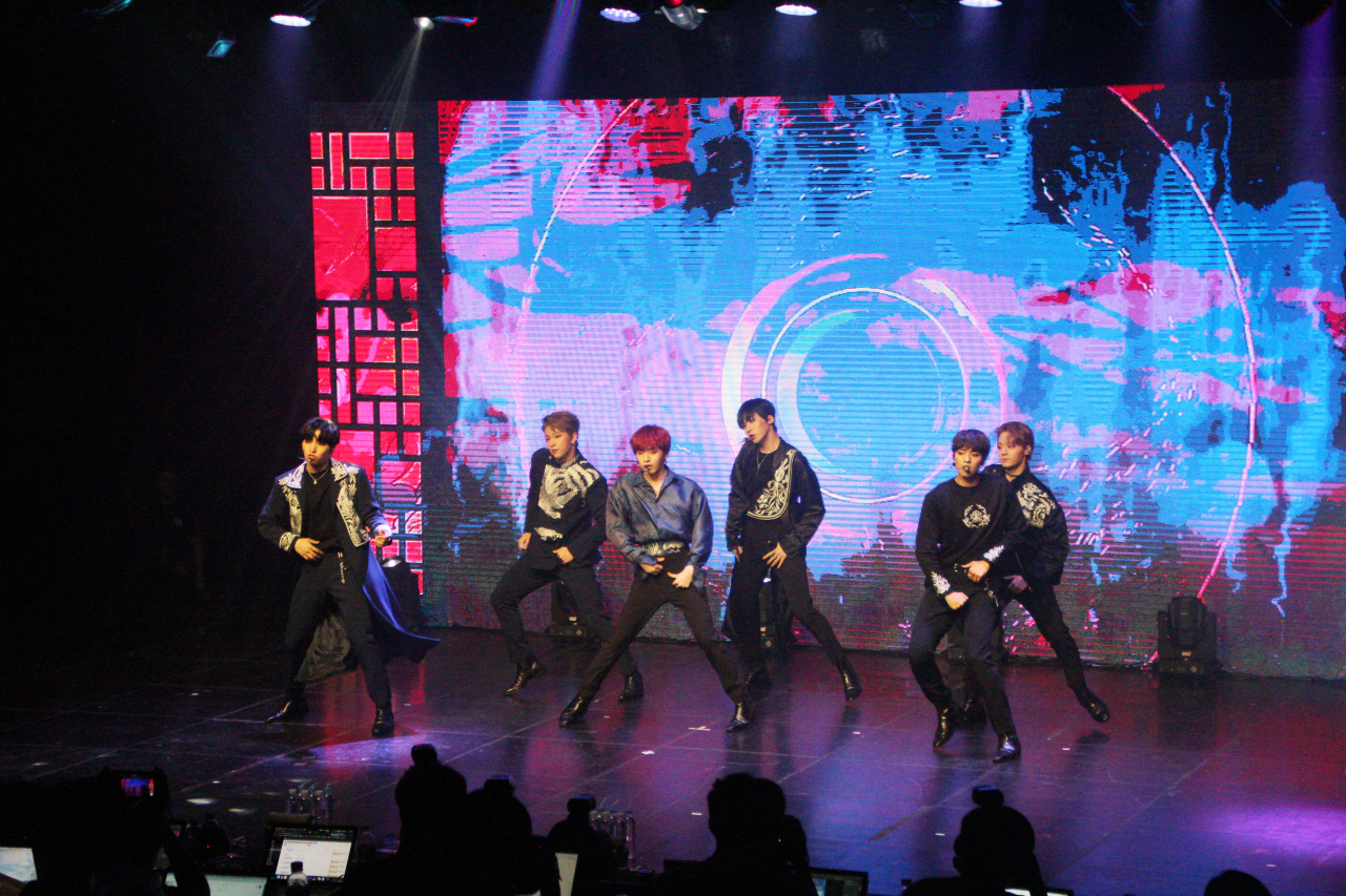"Oneus performs ""Lit"" at a media showcase. (RBW Entertainment)"