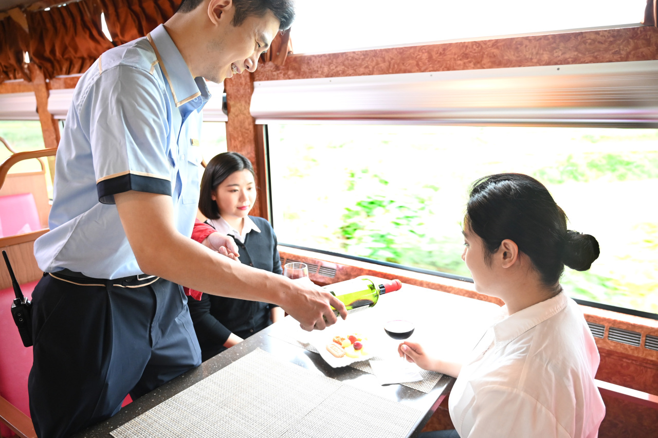A meal is served aboard the Haerang. (Korail)