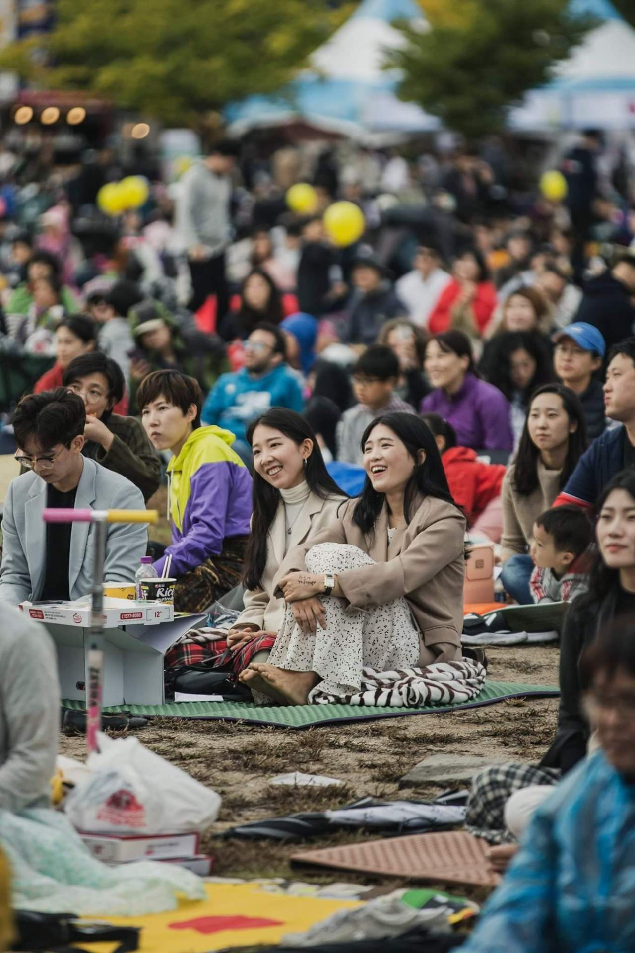 Attendees of the Jarasum International Jazz Festival enjoy music on the island of Jarasum in Gapyeong, Gyeonggi Province. (JJF)