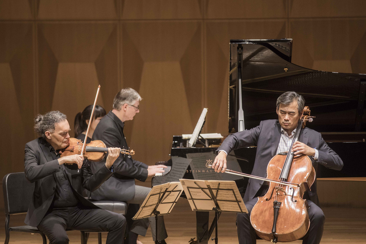 Members of Trio Owon -- (from left) violinist Olivier Charlier, pianist Emmanuel Strosser and cellist Yang Sung-won -- present movements from their latest release at a press event Monday at Ilshin Hall in Hannam-dong, central Seoul. (Universal Music Group International)