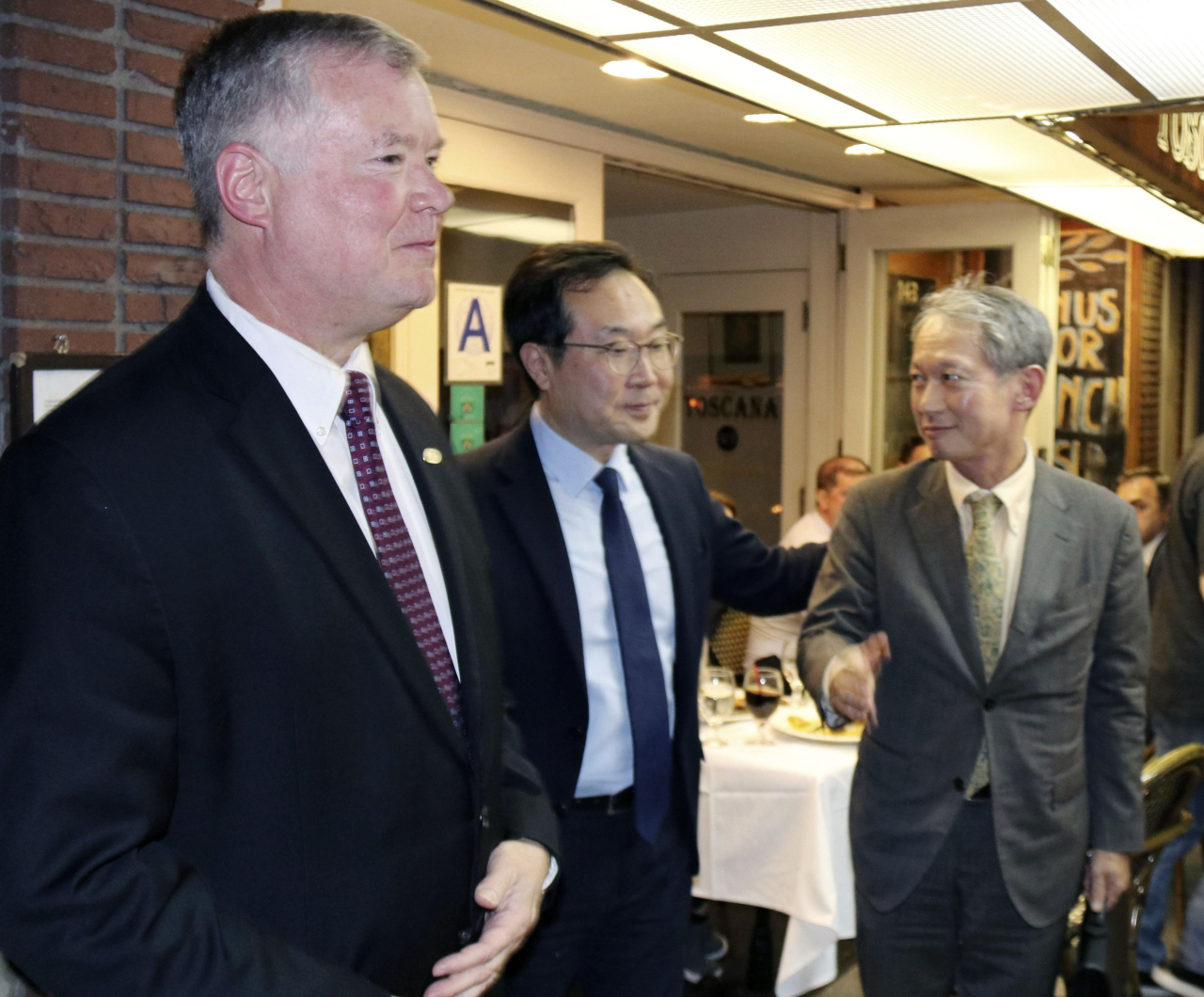 From left: US Special Representaive for North Korea Stephen Biegun, Special Representative for Korean Peninsula Peace and Security Affairs Lee Do-hoon, and Japanese Director General for Asian and Oceanian Affairs Shigeki Takizaki (Yonhap)