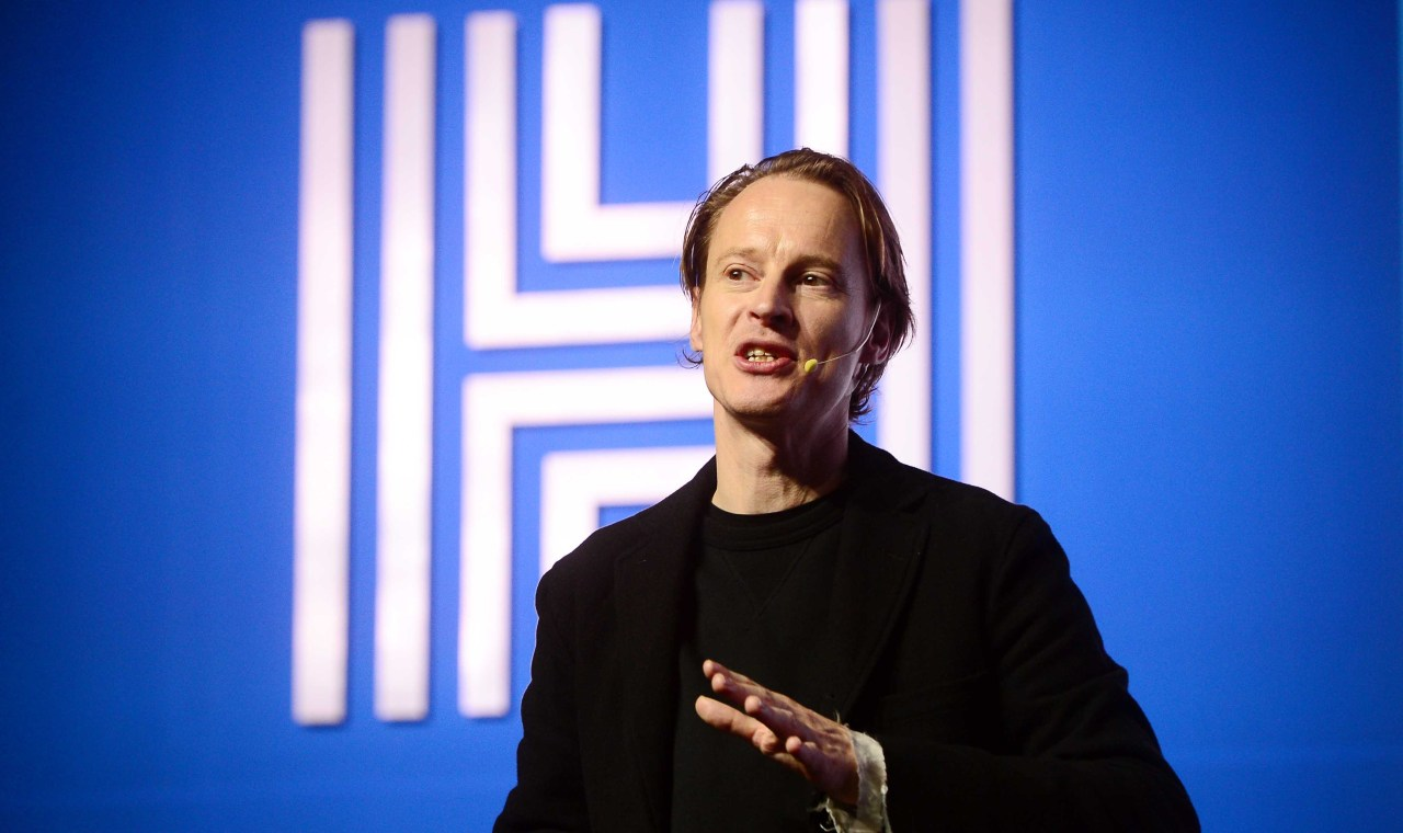 Dutch designer Daan Roosegaarde gives a lecture at the Herald Design Forum 2019 on Thursday at Grand Hyatt in Yongsan-gu, central Seoul. (Lee Sang-sub / The Korea Herald)