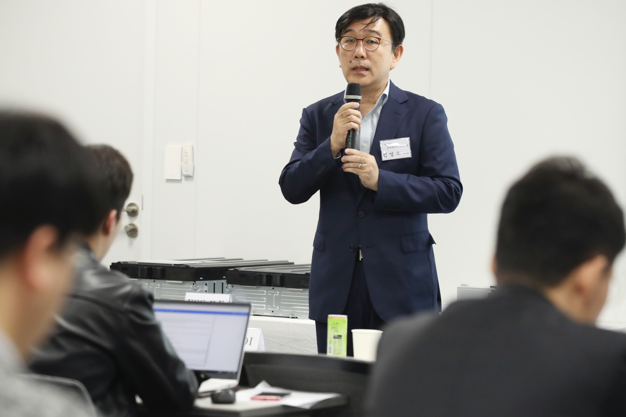 Samsung SDI Vice President Lim Young-ho speaks at a press briefing related to ESS safety measures on Monday in Seoul. (Samsung SDI)