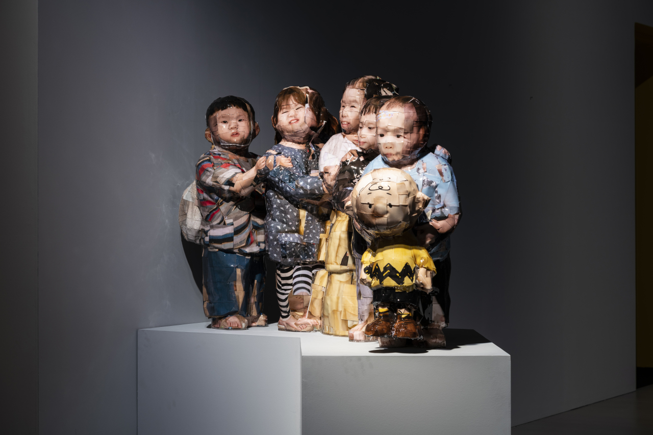 "Gwon O-sang's sculpture ""Snoopy With Kids"" (LMoA)"