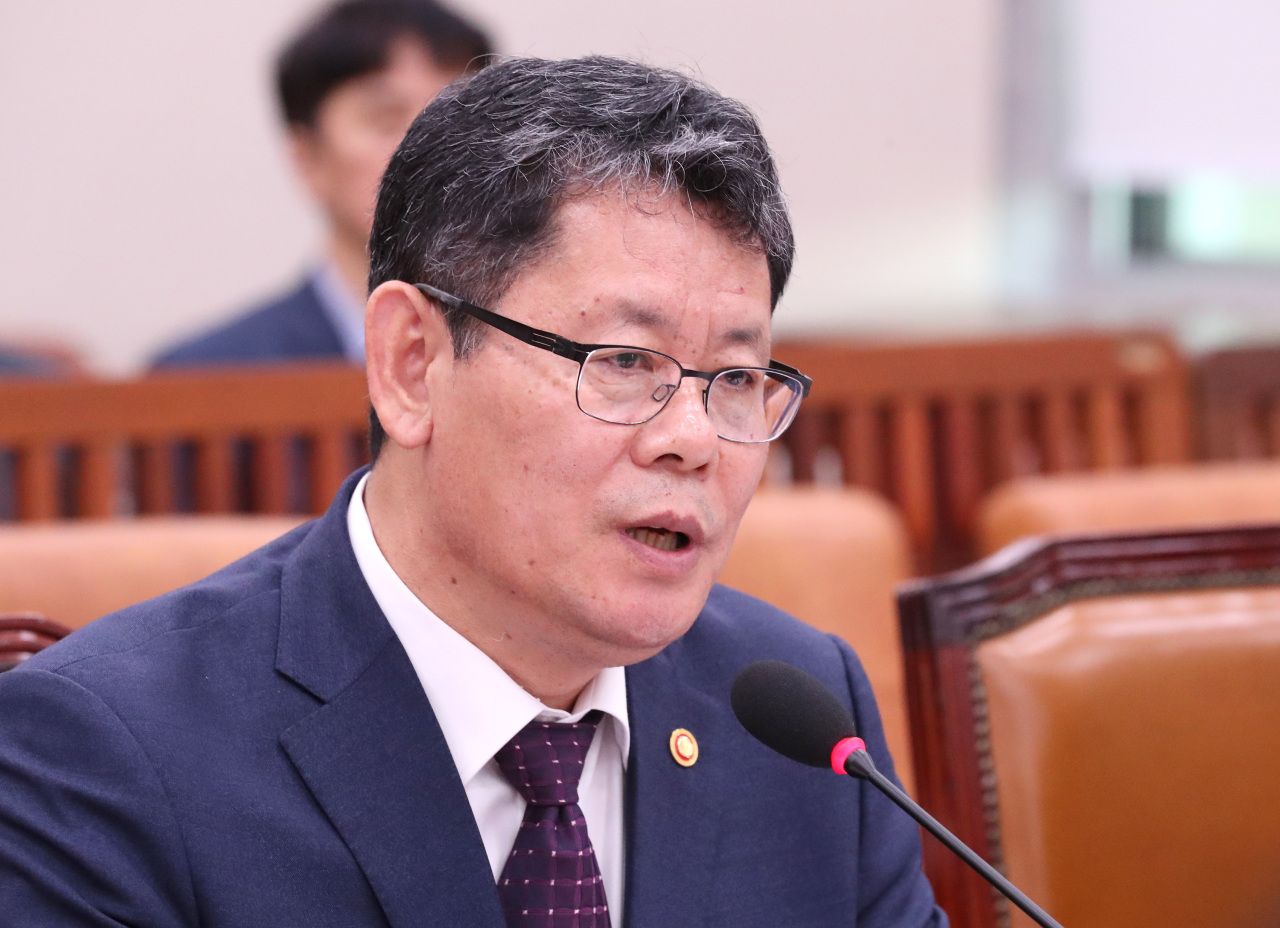 Unification Minister Kim Yeon-chul speaks during a parlimentary audit at the National Assembly in Seoul on Thursday. (Yonhap)