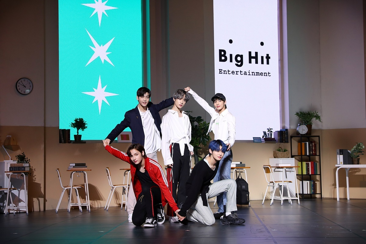 TXT poses during a media showcase in Seoul on Monday (Big Hit Entertainment)