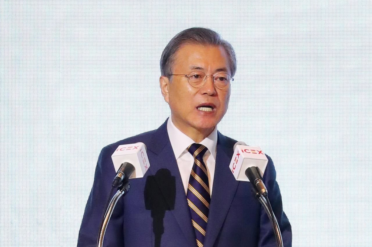 President Moon Jae-in speaks at the Korea-Spain business forum in Seoul on Thursday. Yonhap