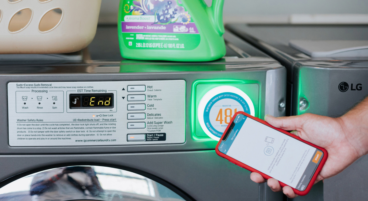 Washlava's mobile platform enables remote reservations and payment for the use of LG Electronics' washers and dryers at university campuses in the US. (LG Electronics)
