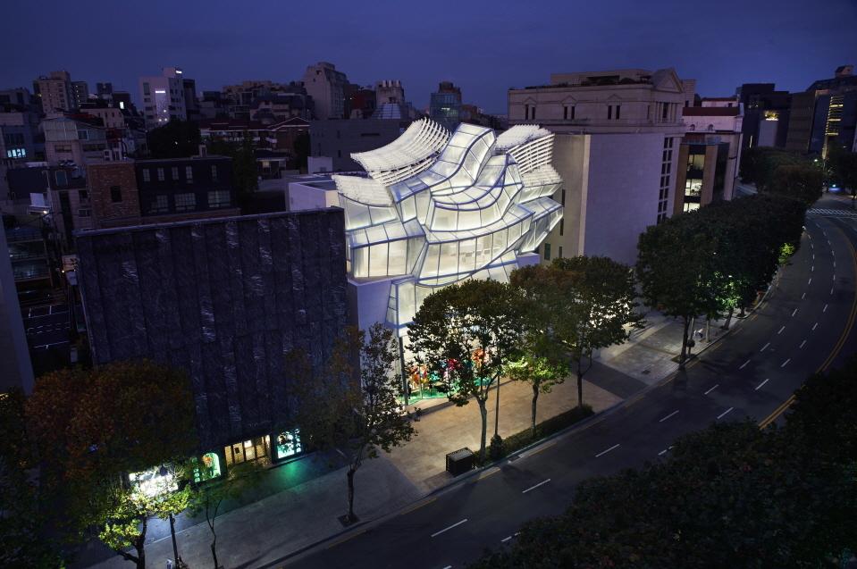 Louis Vuitton Maison Seoul (Louis Vuitton)