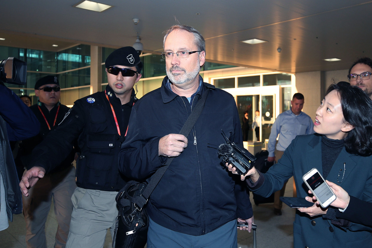 James DeHart, the chief negotiator for the 11th Special Measures Agreement arrives at the Incheon International Airport on Tuesday. (Yonhap)