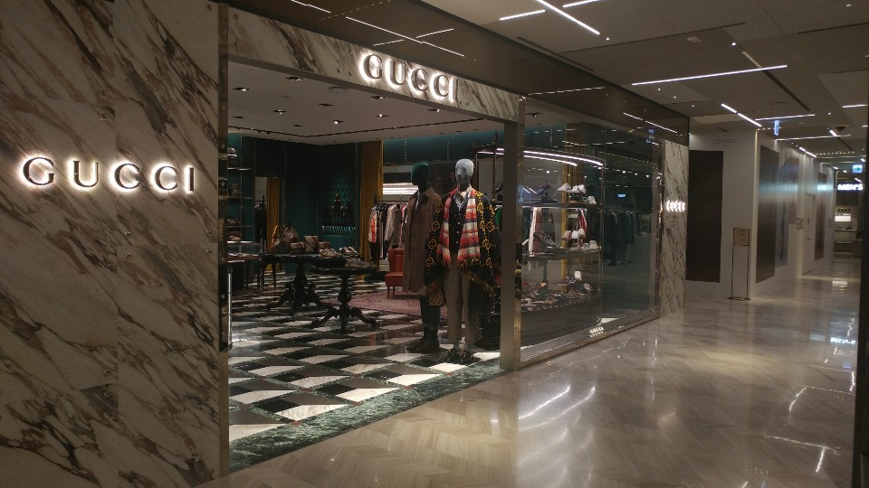 A Gucci men's store is located at Shinsegae Department Store's main branch in Myeong-dong, Seoul. (Lee Sun-young/The Korea Herald)