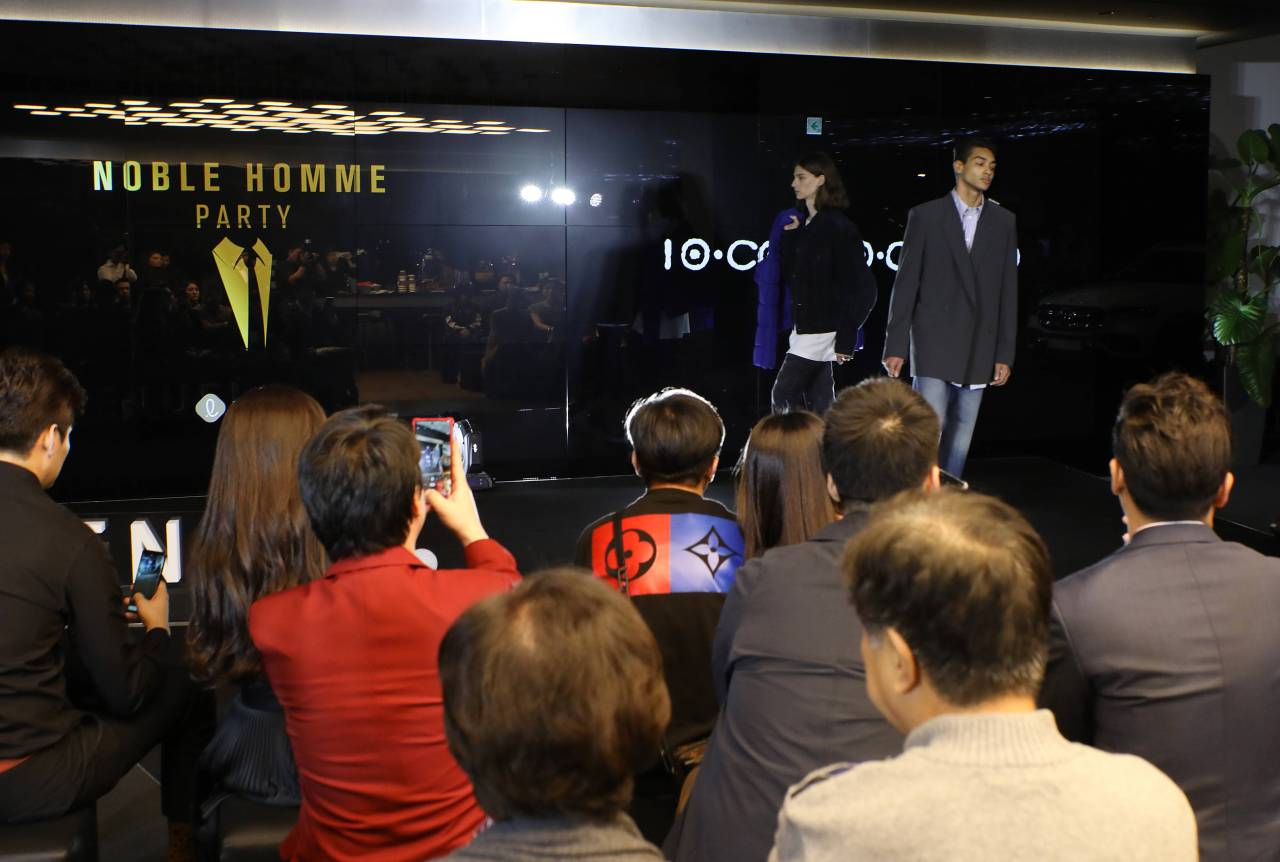 "Lotte Department Store's ""Noble Homme Party"" for VIP male customers takes place at a venue in Gangnam, Seoul, on Oct. 16. (Lotte Shopping)"