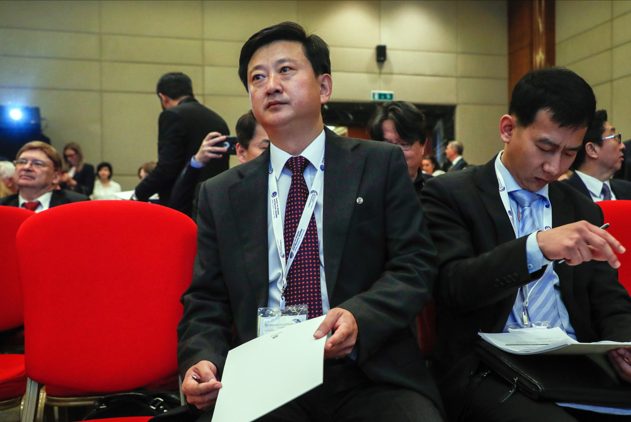 North Korean top diplomat Jo Chol-su (center) attends the Moscow Nonproliferation Conference (Nuclear Energy, Disarmament, Nonproliferation) in Moscow, Russia, Friday. (Yonhap)