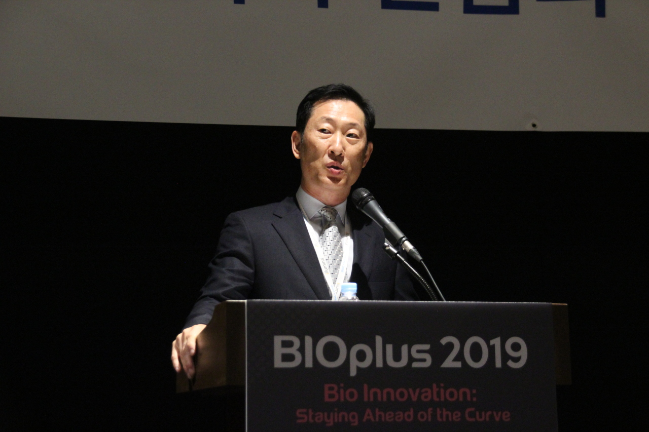 Ko Han-sung holds his first-ever press conference as Samsung Bioepis CEO, on Tuesday at Coex, Seoul, on the sidelines of BIOplus conference. (Lim Jeong-yeo/The Korea Herald)