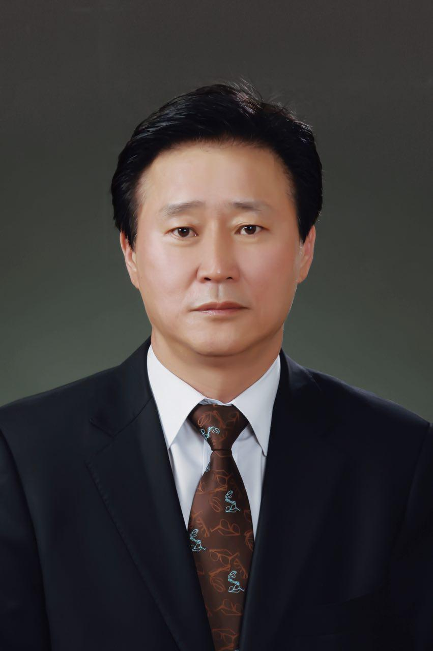 Choi Sun-mok, president and head of Hanwha's communications committee (Hanwha)