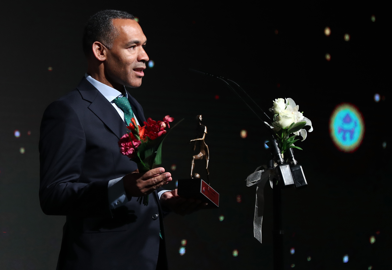 Jeonbuk Hyundai Motors head coach Jose Morais speaks after receiving the K League 1 Coach of the Year award at the K League Awards ceremony in Seoul on Monday. (Yonhap)
