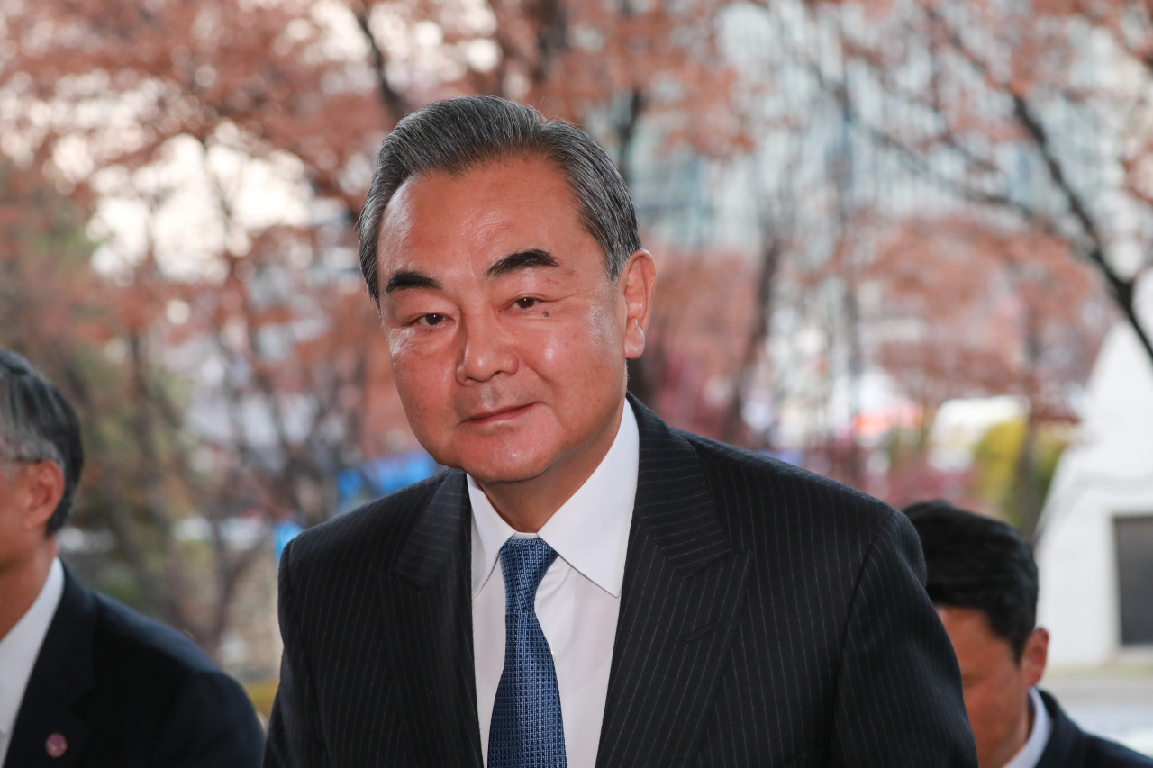 Chinese Foreign Minister Wang Yi arrives at the South Korean Ministry of Foreign Affairs in Seoul, Wednesday. (Yonhap)
