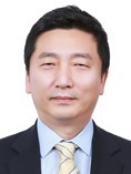 SK materials CEO Lee Young-wook